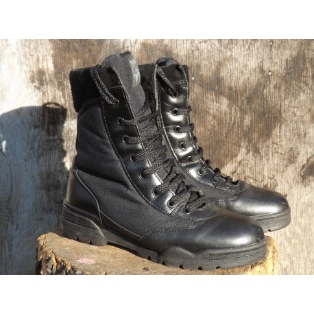 Genuine Surplus Hi-Tec Magnum Black Boots Army Combat Work USA 8  UK7.5 (393)
